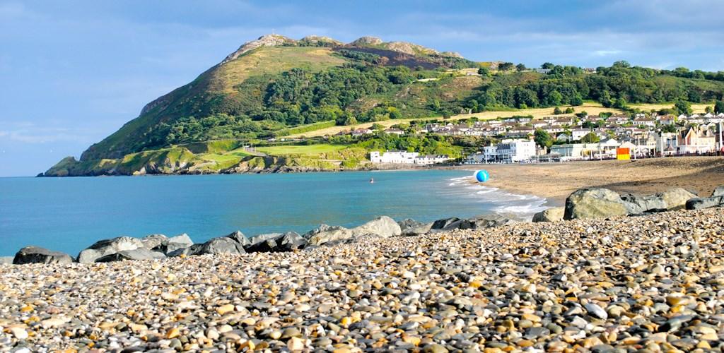 Praia de Bray com pedras
